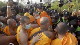 Arrestati 8 monaci famosi