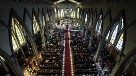 Destituiti altri due vescovi cileni