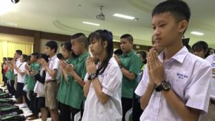 Noi nei panni dei bambini thailandesi dispersi