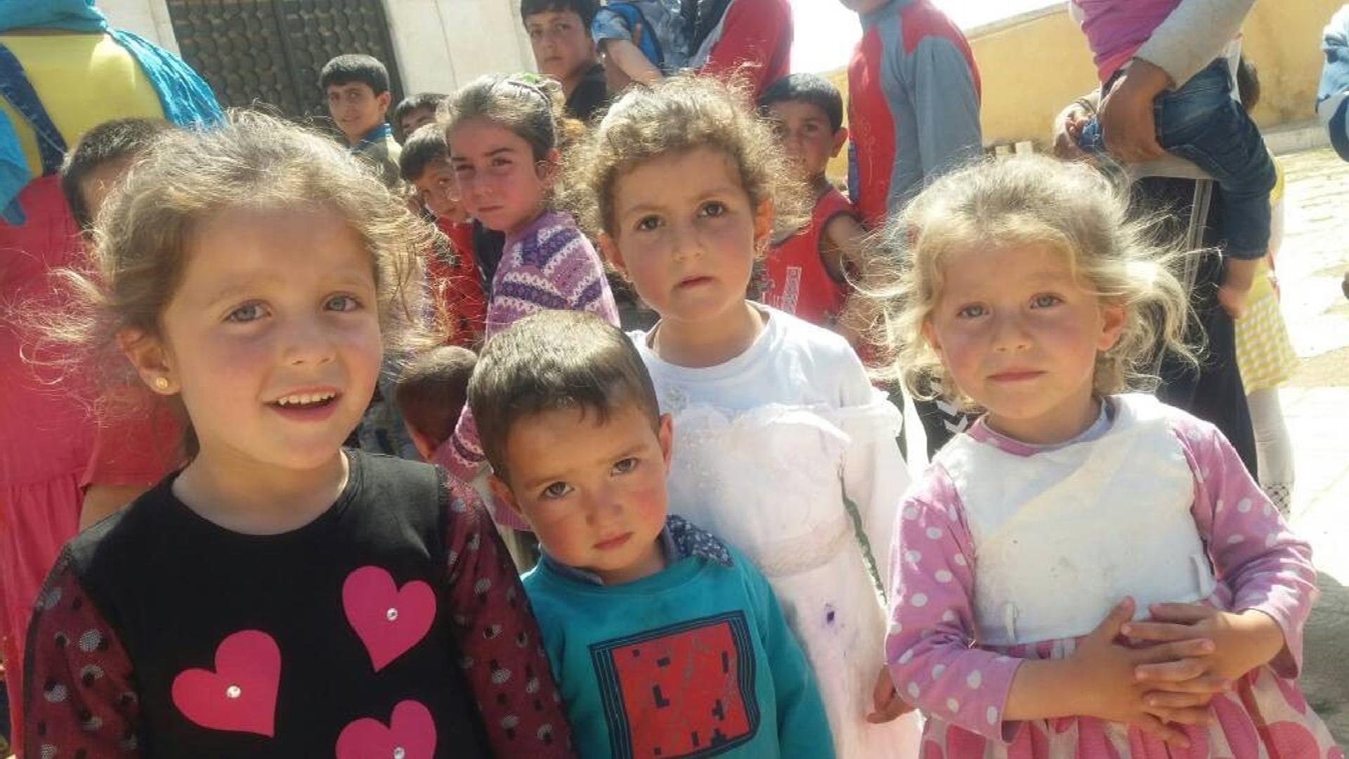 alcuni-bambini-che-vivono-nel-campo-di-al-chahba-nei-pressi-di-kafar-naseh-foto-fmsi