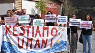 «Fate sbarcare i migranti dalla nave Diciotti»