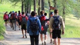 Per mille strade: il pellegrinaggio dei giovani