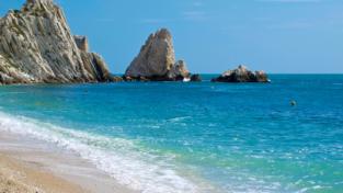 Spiagge e mari italiani non godono di buona salute