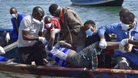 Traghetto ribaltato, almeno 86 morti