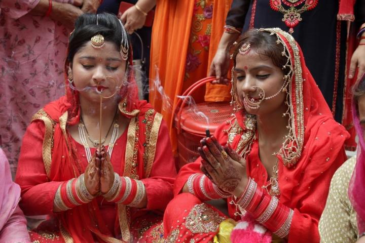 Storica sentenza in India: l'adulterio non è più reato