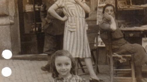 Una immagine d'epoca raffigurante la piccola Costanza Sermoneta, tratta dal volume '16.10.1943. Li hanno portati via', che raccoglie missive, corrispondenze, report, dossier e fotografie sui bambini romani ebrei deportati. Furono 1.259 le persone della comunità ebraica romana (tra i quali 207 bambini, 363 uomini e 689 donne) rastrellate dai soldati tedeschi della Gestapo tra le 5,30 e le 14 di sabato 16 ottobre 1943 nel ghetto di Roma, tra Via del Portico d'Ottavia e le strade adiacenti. Una data che quest'anno assume un valore particolare per la ricorrenza dei 70 anni della razzia e per le polemiche seguite alla scelta dei far svolgere i funerali di Erich Priebke proprio il 15 ottobre.           ANSA / US ++NO SALES EDITORIAL USE ONLY++