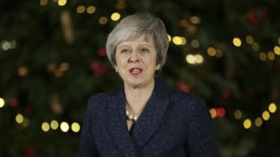Theresa May supera il voto di sfiducia