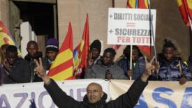 """Genova """"osa"""" contro il Decreto Sicurezza"""