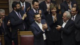 Tsipras ottiene la fiducia ma…