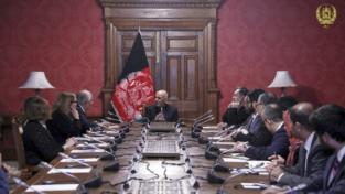 Usa e Talebani trattano