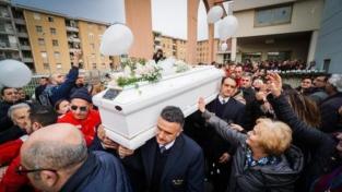 L'ultimo saluto a Giuseppe, il bimbo ucciso a Cardito
