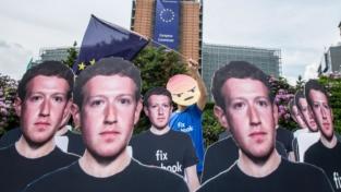 I buchi di Facebook