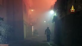 Incendio a Cogoleto, scuole ancora chiuse