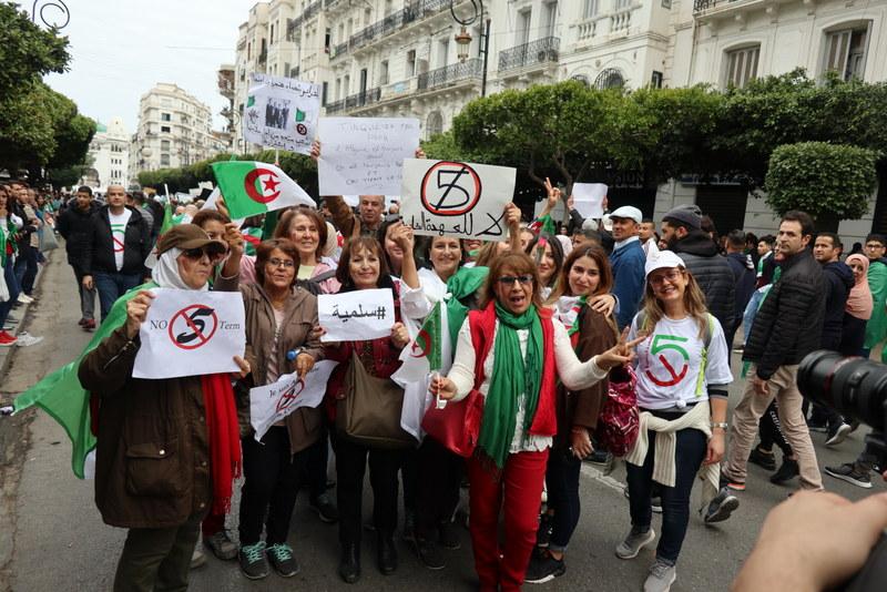 proteste-in-algeria-1
