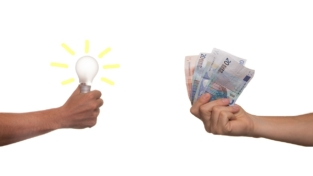 Energia elettrica, cosa paghiamo in bolletta?