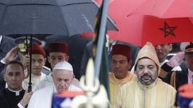 Marocco: un papa in mezzo agli imam