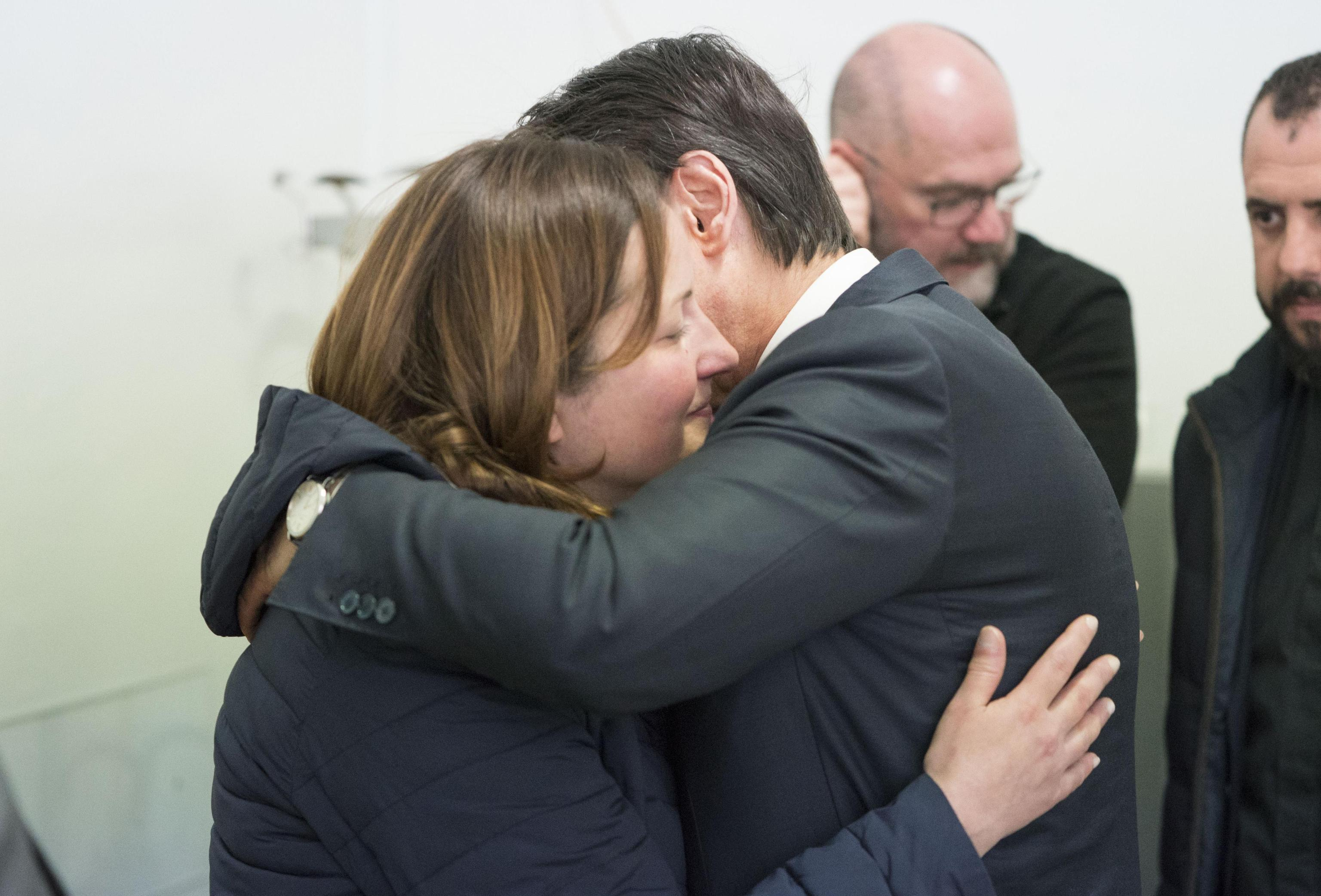 Il presidente del Consiglio, Giuseppe Conte, visita i familiari del maresciallo Vincenzo Di Gennaro, ucciso questa mattina a Cagnano Varano, 13 aprile 2019. ANSA/FILIPPO ATTILI/PALAZZO CHIGI +++ ANSA PROVIDES ACCESS TO THIS HANDOUT PHOTO TO BE USED SOLELY TO ILLUSTRATE NEWS REPORTING OR COMMENTARY ON THE FACTS OR EVENTS DEPICTED IN THIS IMAGE; NO ARCHIVING; NO LICENSING +++