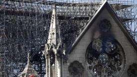 Il lusso ricostruisce Notre-Dame