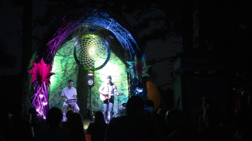 epa07517004 Artists perform at the 'Tree house Stage' during the annual Splashy Fen music festival, Underberg, South Africa, 19 April 2019 (issued 20 April 2019). The five day long festival is the oldest in the country and is celebrating its 30 year. The festival has four stages with various music styles, morning yoga sessions, artworks, trail running, holistic lifestyle events, stalls etc.  EPA/KIM LUDBROOK