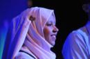 Giovani amici musulmani e cristiani