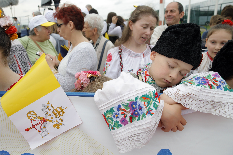 APTOPIX Romania Pope