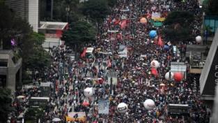 La protesta studentesca contro Bolsonaro