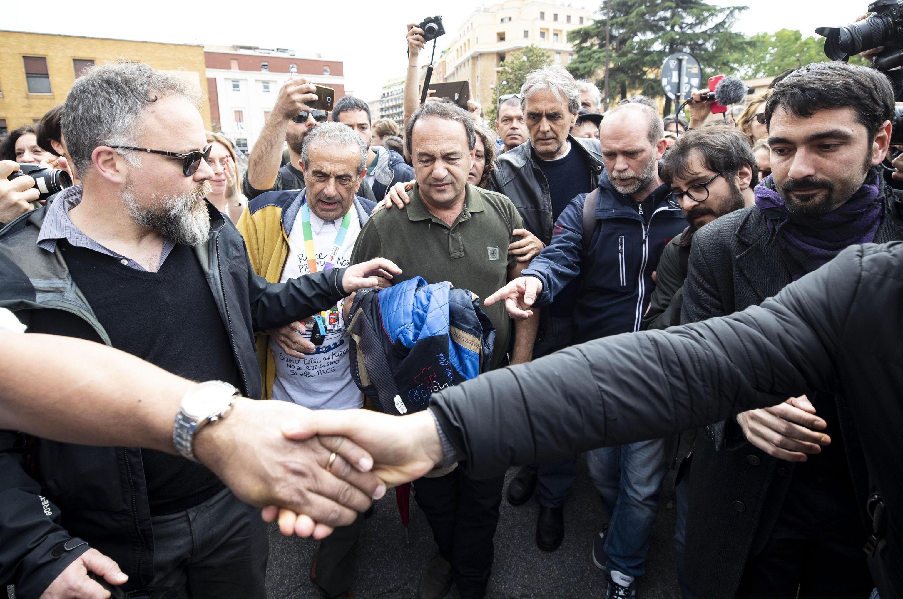 L'ex sindaco di Riace Mimmo Lucano arriva alla Sapienza, Roma, 13 maggio 2019 ANSA/MASSIMO PERCOSSI