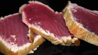 Filetto di tonno rosso in crosta di pane