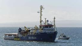Sea Watch, appello per sbarco immediato