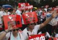 Hong Kong in piazza contro le leggi sull'estradizione