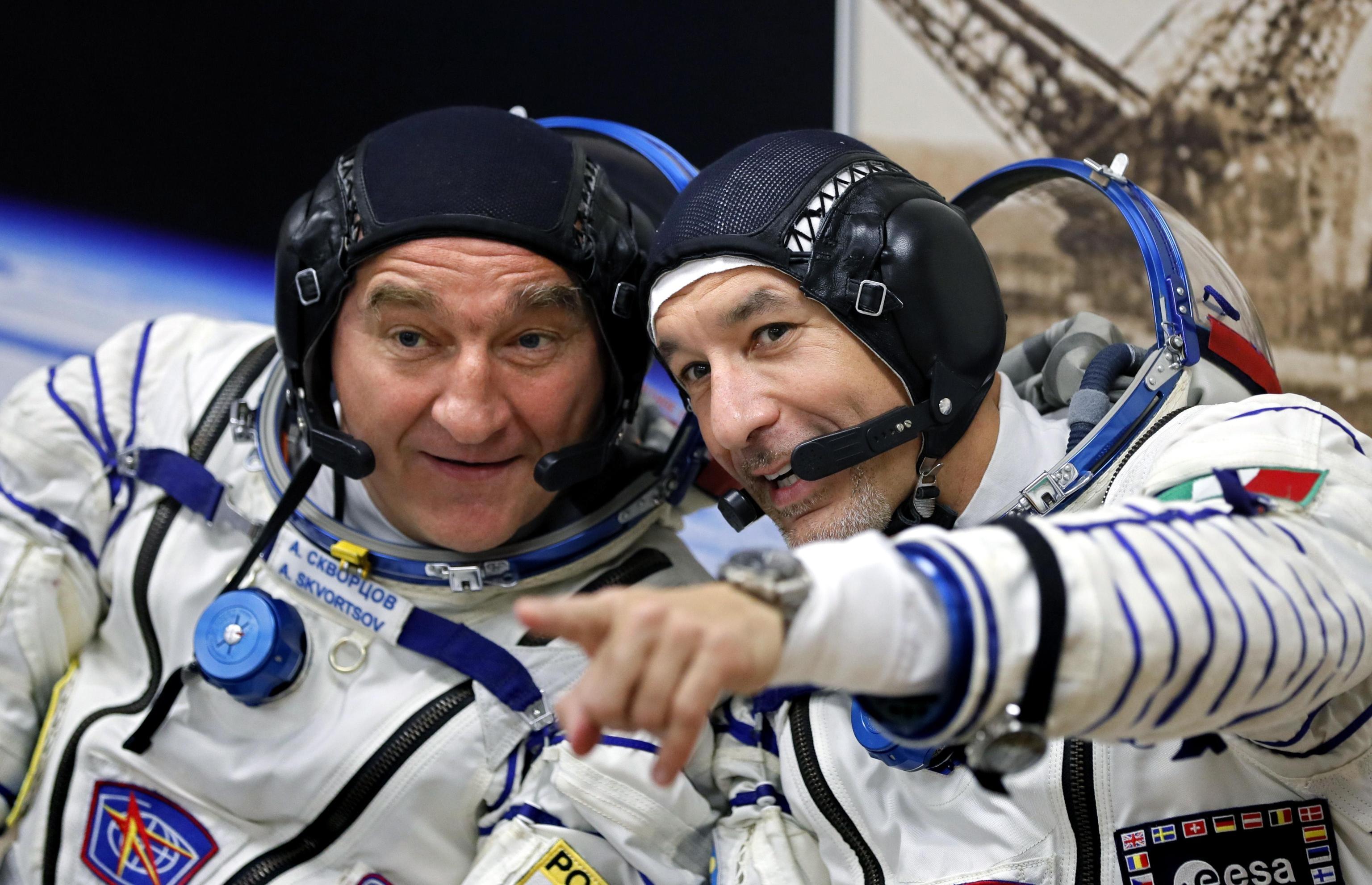 gli-astronauti-alexander-skvortsov-e-luca-parmitano-foto-ansa-epa