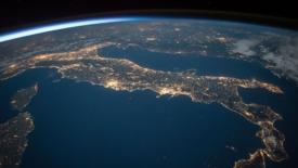 Italiani spreconi: consumiamo quasi 5 volte le risorse del Paese