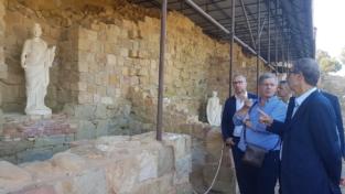 Un teatro antico ad Halaesa Arconidea
