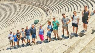 """""""Ormeggi sicuri"""". Una nuova politica dell'accoglienza ad Atene"""