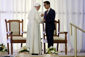 Papa Francesco col presidente del Madagascar Andry Rajoelina.