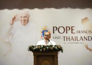 Il cardinal Francis-Xavier Kriengsak Kovithavanij annuncia il viaggio apostolico di Francesco in Thailandia.