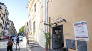 A Roma la farmacia di strada