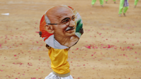 Gandhi, 150 anni portati bene