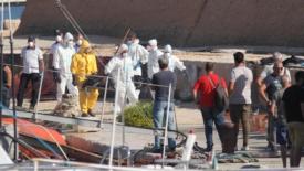 Lampedusa, il recupero delle salme