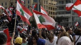 Il Libano protesta contro i politici