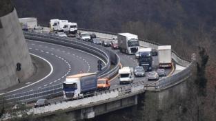 Liguria, territorio fragile e traffico in tilt