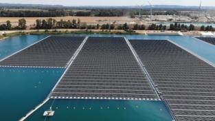La più grande centrale solare galleggiante