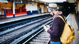 Aumenta l'uso di cellulari all'estero