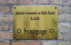 L'entrata della sinagoga di Halle in Germania, sede di un attentato il 9 ottobre 2019.