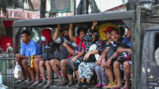 Filippine, il vulcano Taal semina panico