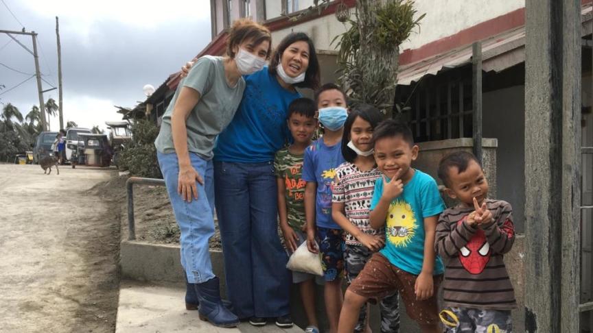 Vulcano Taal: l'onore di chi resta