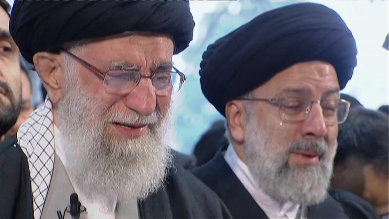 le-lacrime-dellayatollah-ali-khamenei-per-il-generale-qassem-soleimani-ucciso-dagli-statunitensi-foto-ap