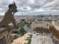 Covid 19, Macron impone il coprifuoco a Parigi