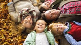 Famiglie, ok all'assegno unico universale per i figli