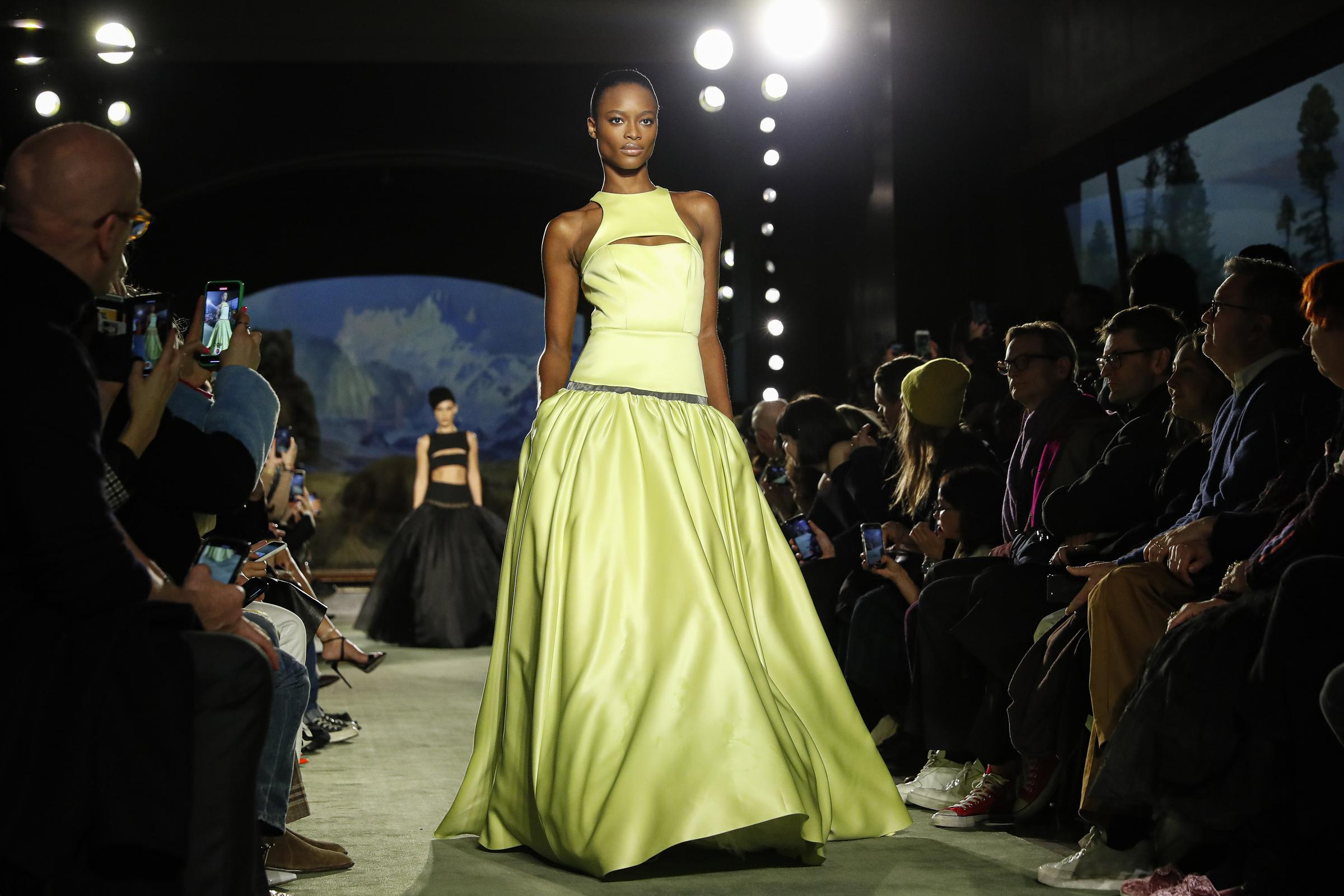 New York, Fashion Week (AP Photo/John Minchillo)